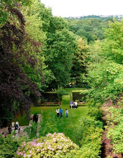 Pogled na školski vrt iz učionice