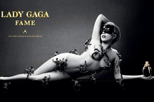 Lejdi Gaga pozira za reklamu parfema Fame