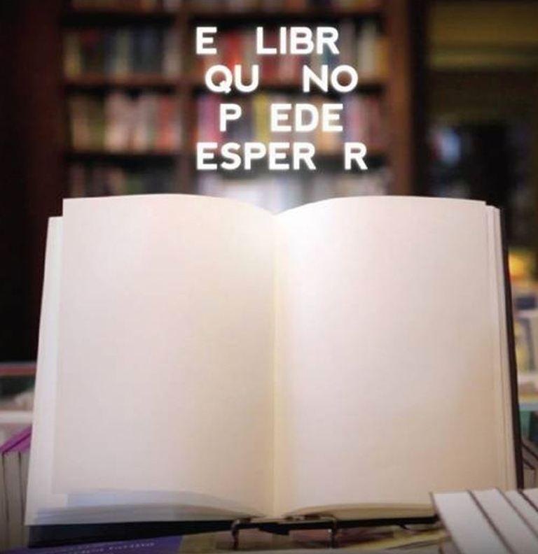 Samounistavajuca knjiga