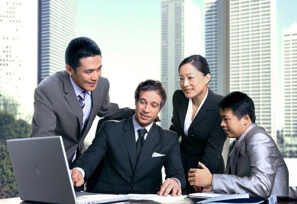 Kineski poslovni obicaji - White guy in a tie