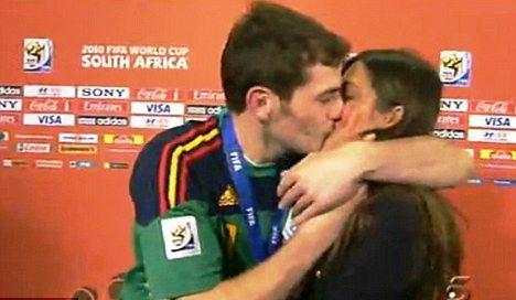 Golman Kasiljas cuveni poljubac