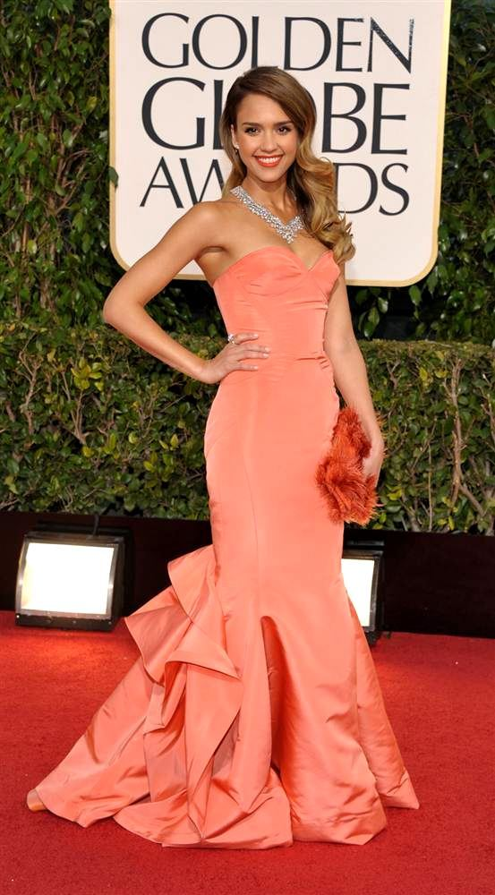 Jessica Alba nosila je kreaciju Oscar de la Rente