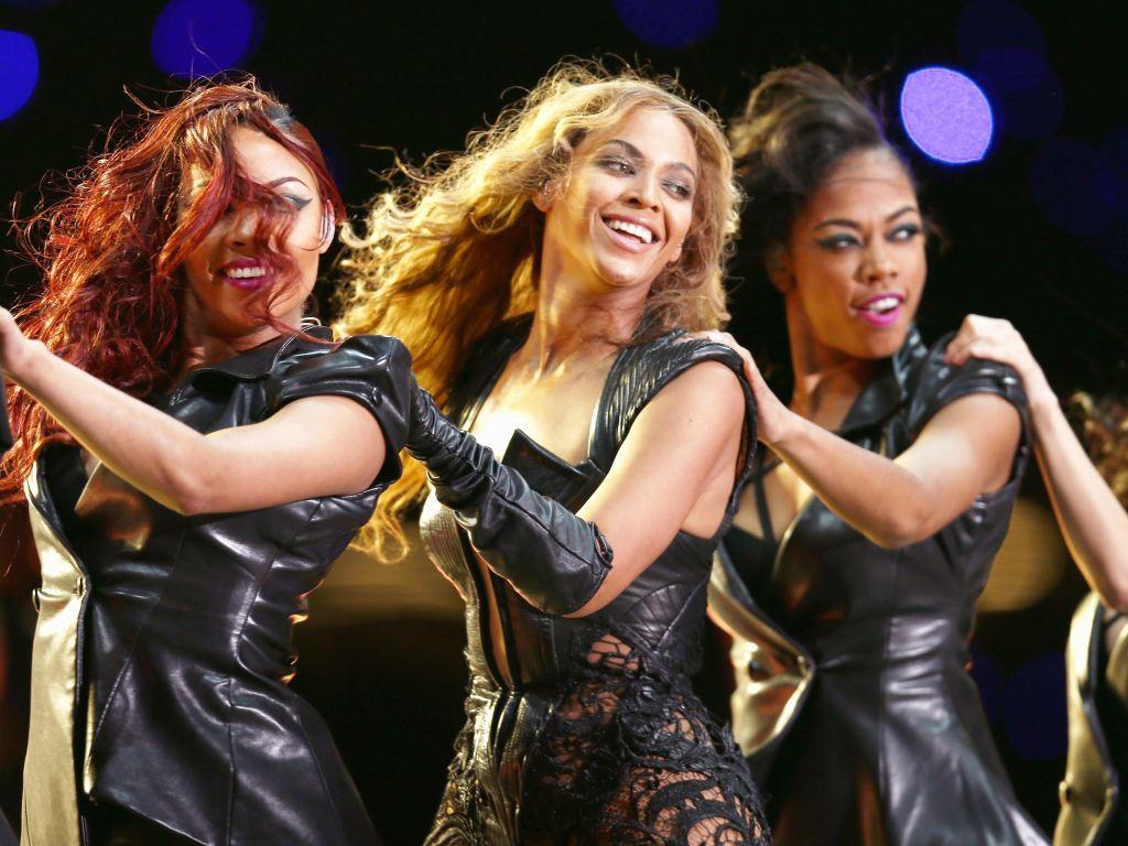 Keli Rouland i Mišel Vilijams, Bijonsine koleginice iz benda Destinys Child koji je proslavio sve tri pevačice
