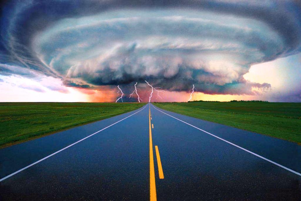 Jurenje tornada u SAD