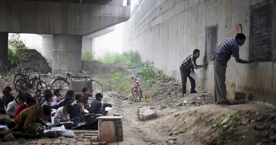 Sirotinjska deca i besplatna skola u Indiji