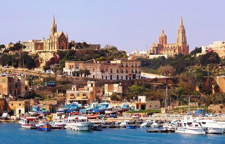 Gozo luka i ribarski gradic Ghajnsielem