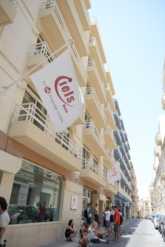Zgrada skole IELS na Malti
