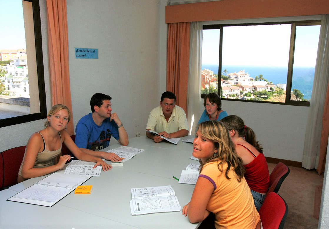 Poslovni španski iz oblasti međunarodnog poslovanja i trgovine